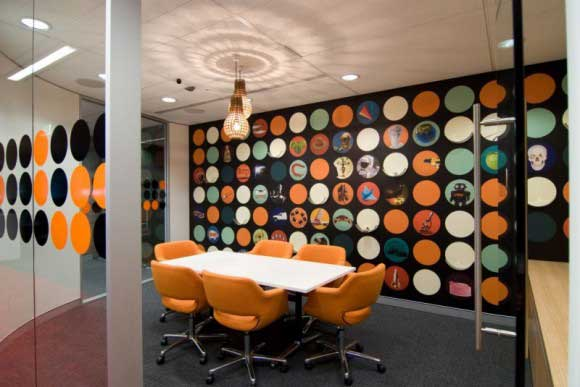 Fun-BBC-Worldwide-Office-Meeting-room-Interior-Idea-580x387